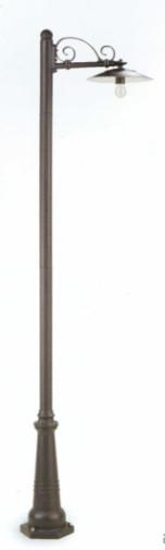 PALO ALTO ANTIQUE PAINTED ALUMINIUM Classic floor lamps for exterior use